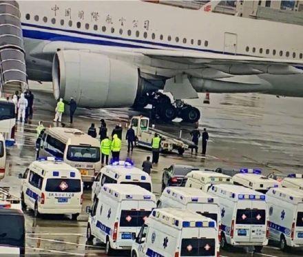 """浦东机场这张刷屏照片,是上海""""请市民放心""""的底气"""