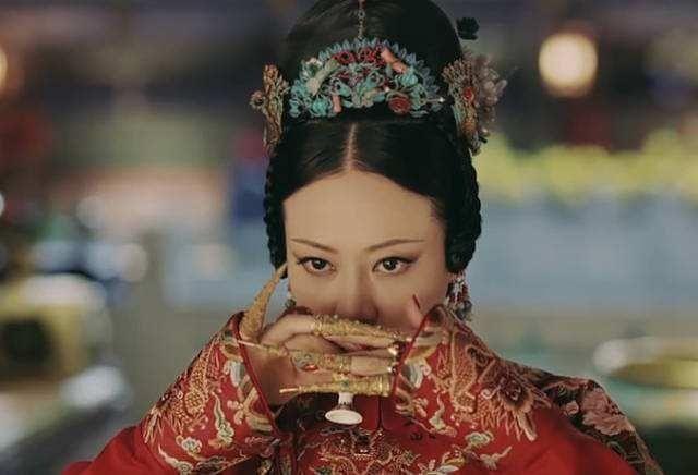 『攻略』有种整容叫《延禧攻略》的高贵妃,如今染回红发,简直美到不敢认