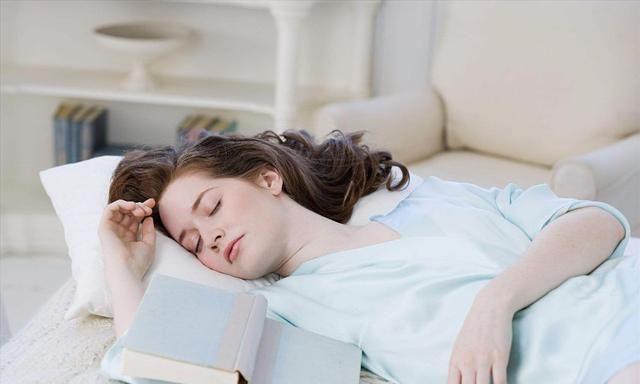 『睡眠质量』睡前坚持用生姜擦脚底,身体会有这3个变化,你知道几个?