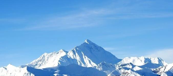 珠穆朗玛峰@珠穆朗玛峰一半在尼泊尔,一半在我国,为什么主权在我国?
