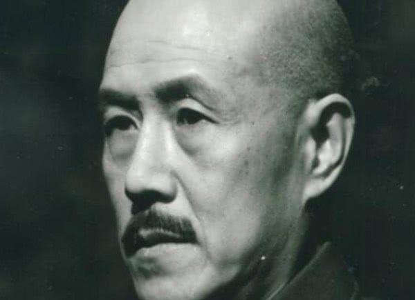 <b>扮演过蒋介石的四位演员,形神俱备,你觉得谁演得最好?</b>