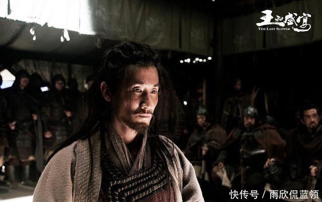 「鸿门宴」项伯是项羽的叔叔,为何他答应刘邦,在鸿门宴上助他一臂之力?