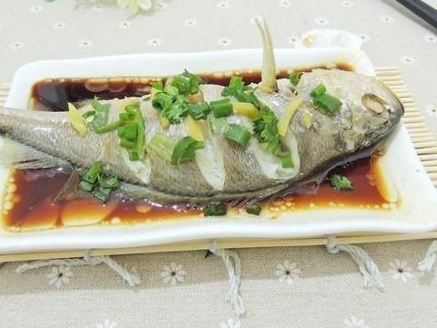 """「克星」它是鱼腥的""""克星"""",做鱼时加点""""它"""",鱼肉细嫩不腥臭,很好吃"""