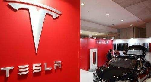 特斯拉Model 3,在国内充电桩充不上电,是什么原因?