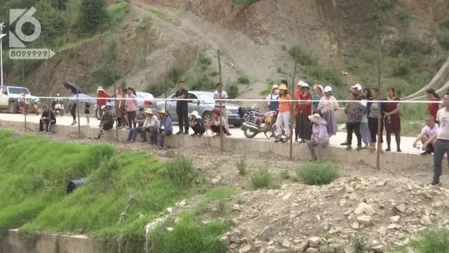 记者赶到水库时,周边已经拉起了警戒线。