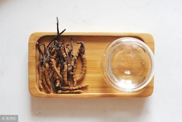 冬虫夏草草头黑色的能吃吗?不洗直接吃吗?发霉了能吃吗?问答!