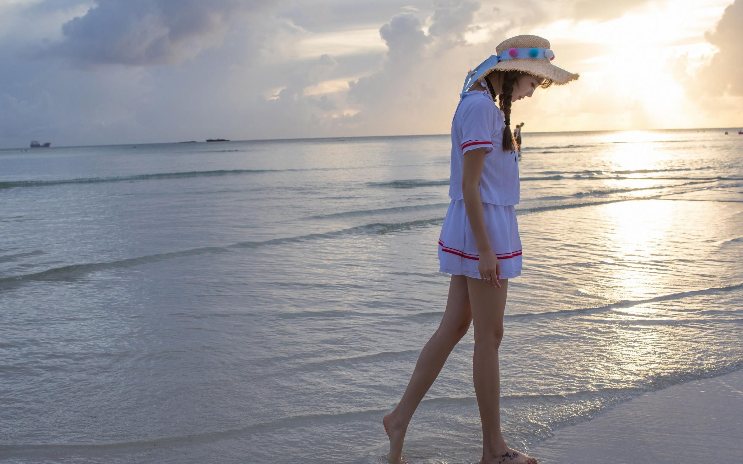 好可爱的小美女,海边摄影写真,清新靓丽,迷人插图(2)