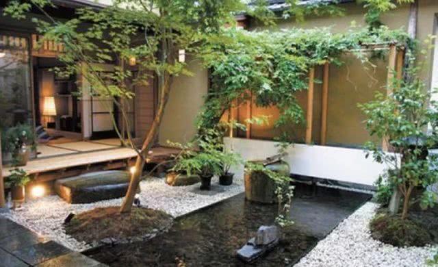 世界上最小的庭院