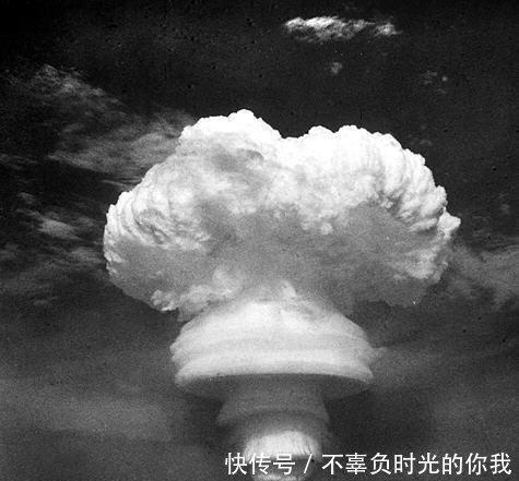 #泪目#从原子弹到氢弹,中国为何不到三年就成功,专家一句话让国人泪目