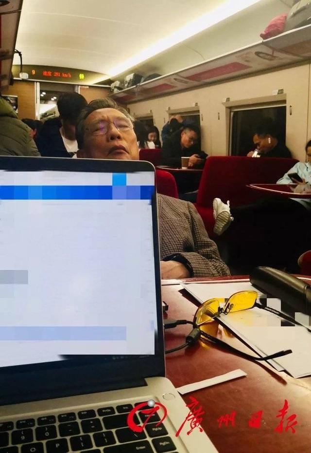 84岁钟南山行程曝光!这些照片刷屏!致敬这群疫情中的逆行者