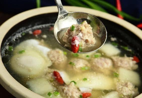 #冬瓜#清淡鲜香的冬瓜丸子汤,香甜不油腻,营养成分更易吸收的家常美食
