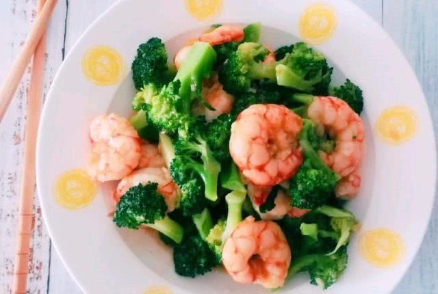 虾仁■西兰花炒虾仁低热量低卡,营养成分美味,清炒嫩南瓜,味儿清甜蒜香美味
