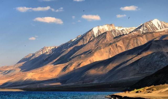 新疆一村采宝石为生:海拔6千米常年极寒,宝石极珍贵收入却很差