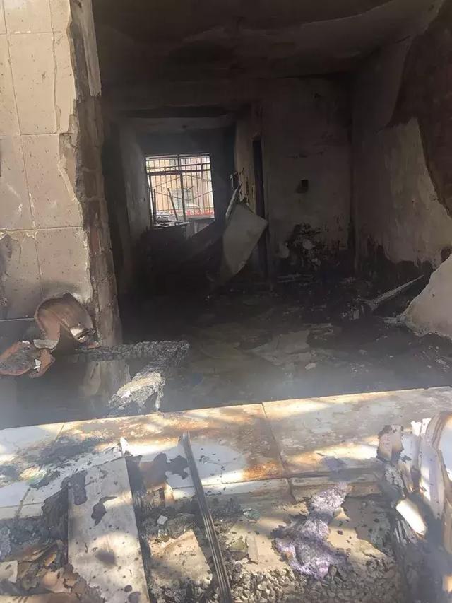 午夜惊魂,白银西村十字附近一居民楼传出爆炸声引发大火
