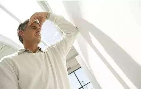 损耗你的体内阳气,伤你肾气的4个行为,做越多,阳气不升反降