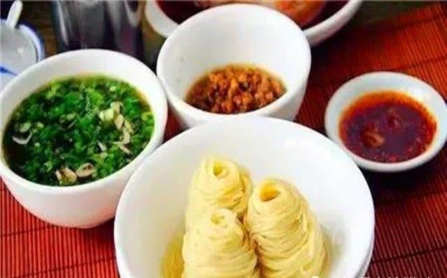 『酸汤』三原名吃疙瘩面,一面三吃,各具特色
