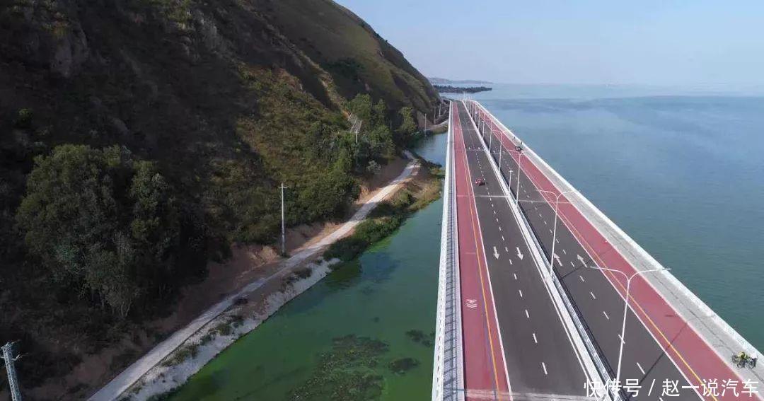 SHELBY GTE与Mustang一同驰骋云南最美环湖路