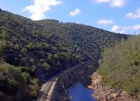 世界上的河流众多, 每一条河流都有着自己的特色,是独一无二的存在