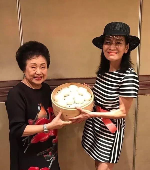 59岁前TVB当红搞笑女艺人转行做地产曾赚5套房全部化为乌有
