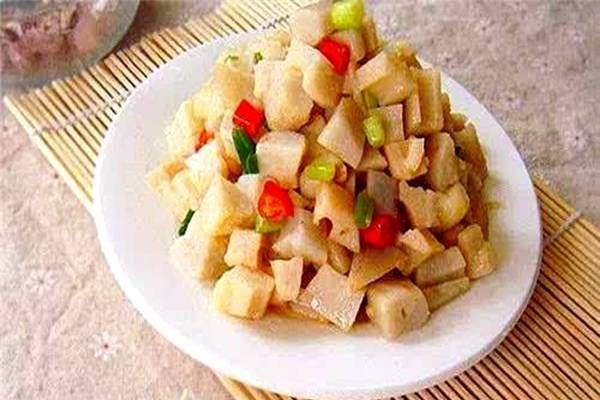 『美味佳肴』特色菜:酸辣藕丁桌上美味佳肴,简单易行!