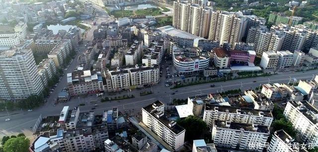 航拍广西最富有的小县城