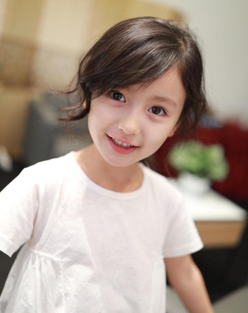 最美童星裴佳欣,9岁就开始化浓妆戴耳环,硬生生成了网红脸!