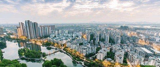江西即将要崛起的城市, 3条高铁同时在建, 还将规划机场建设