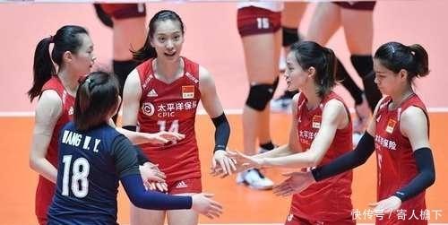 中国女排刘晏含霸气砸崩对手,3比2击败日本晋级四强
