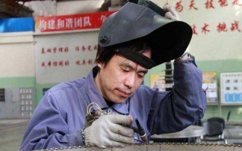 #技术人才#中国航天界的英雄高凤林,专为火箭焊接心脏,100万年薪请不动