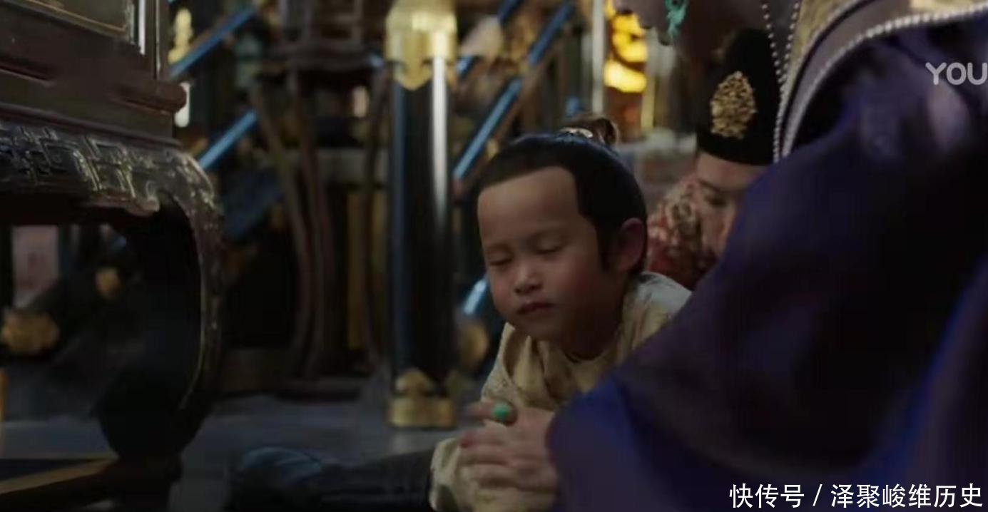 争夺@《大明风华》胡善祥回宫争夺皇位,朱瞻基却想让孙若微陪葬,觉得她是下一个武则天