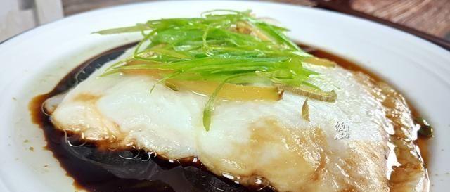 【龙利鱼】这鱼没有鱼刺,清蒸后没腥味,鱼肉鲜嫩,再贵也得买,小孩多吃点