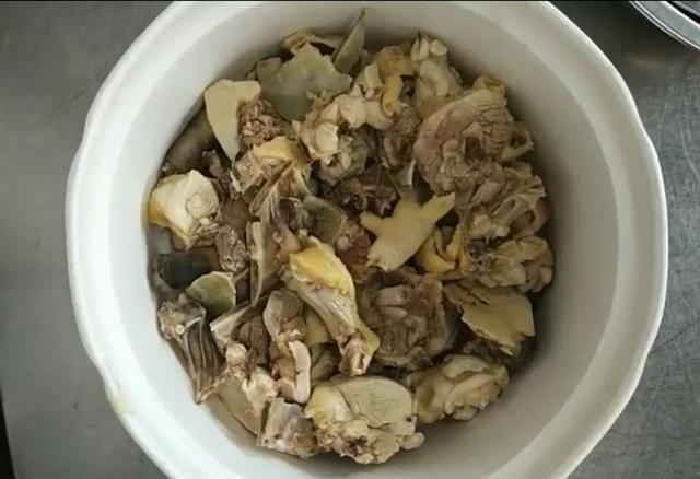 老母鸡甲鱼虫草汤,传递一份爱的味道