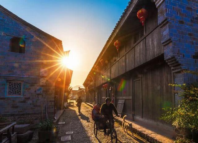 """浙江最""""拨人心弦""""的古镇,古韵浓重,仿佛置身于明清时期的江南"""