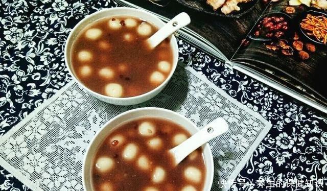 「奶茶」比奶茶好喝百倍的红豆丸子,香甜软糯,热乎暖胃,喝一次就忘不了!