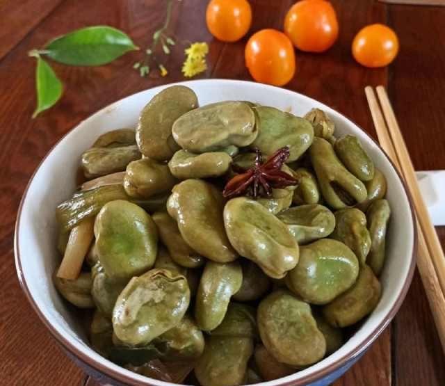 「香味」葱焖蚕豆这样做,香味浓郁,肉质鲜嫩,调料首次大公开!