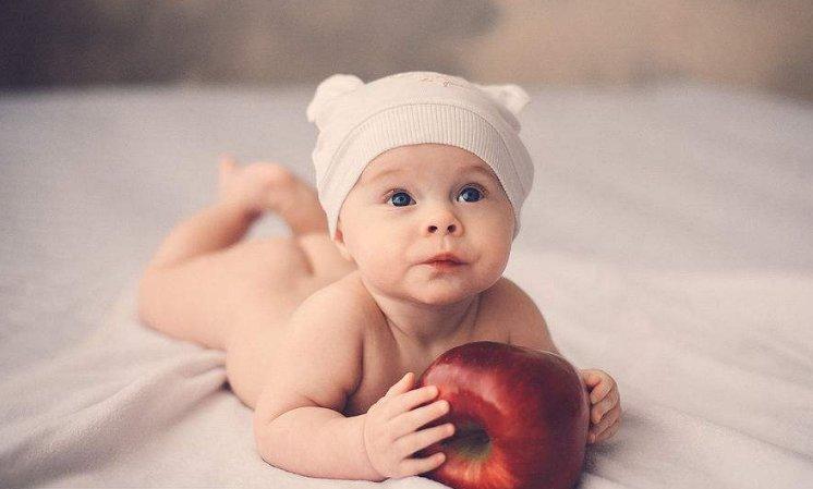 <b>如何判断新生儿是否健康  参考这4个标准</b>