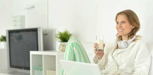 喝错■白开水是天然长寿水,五个喝水的最佳时间,很多人却都喝错了