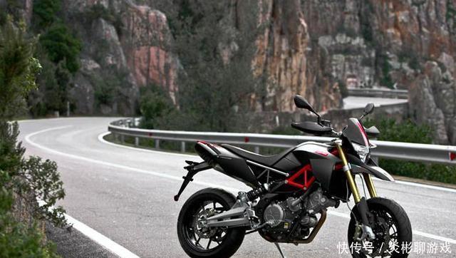 V2引擎,单筒油压避震,波浪式制动卡钳,Aprilia山地摩托车!