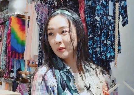 [霍思燕为什么有钱]妻子团购物花光钱,霍思燕还想再买裙子,