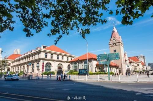 中国造得最漂亮的火车站,很多游客把它当景点,就在山东青岛!