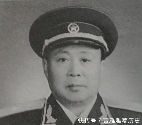 「当年」当年他是罗厚福将军的通讯兵,55授中将,老首长授大校他痛哭流涕