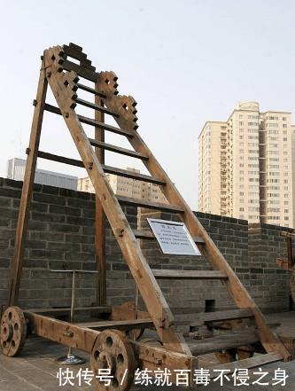 #最常用#古代城墙12米高怎么攻其实方法很简单,一种设备是鲁班发明!