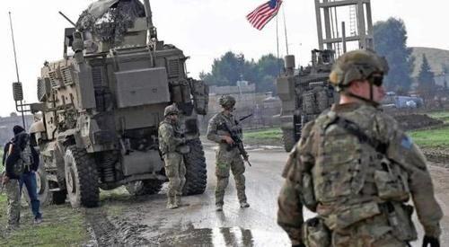 打爆:最新!驻叙美军遭伏击,激烈开火后死了一名美军官,装甲车被打爆