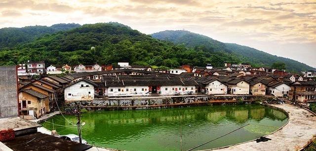 广东最大的区,比汕头还大,相当于1个东莞,接近1.5个深圳