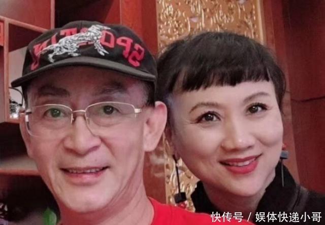六小龄童妻子近照罕见曝光,保养得当皮肤白皙,眼纹略微明显