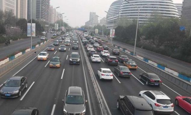 【同比】关税加压,汽车估值见底
