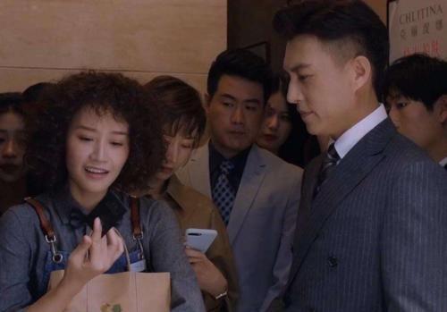 精英律师:秘书背叛了靳东,致命证据遭媒体曝光,戴曦一招搞定