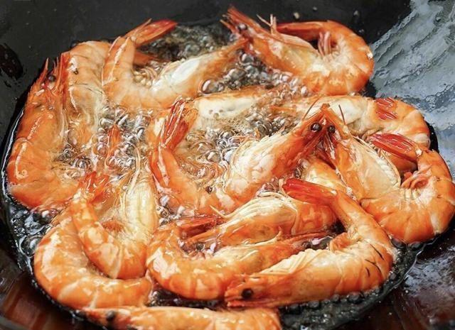 『停不下来』小技巧让你的油焖大虾好吃得根本停不下来,油焖大虾小技巧