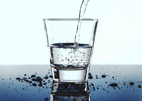 『早晨』晨起一杯水别这么喝,风险太大...教你早晨喝水正确选择