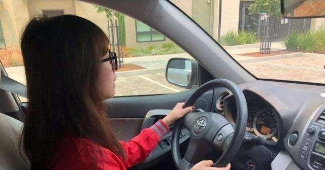一个人开车技术高不高主要看这3个开车习惯